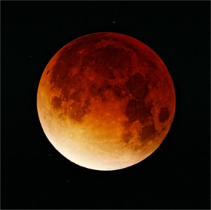 Lunar-eclipse-09-11-2003-min