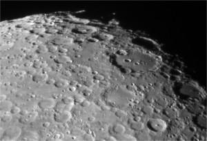moon_080415_l-min